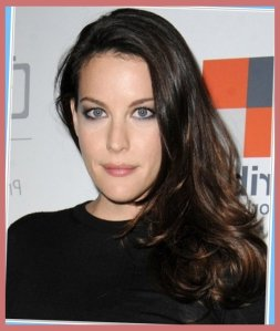 Liv Tyler, oblong face