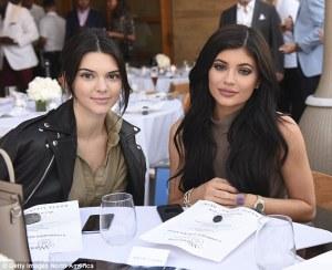 Kylie Jenner, Kendall Jenner. Kylie makeup