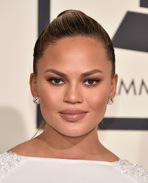 Chrissy Teigen makeup